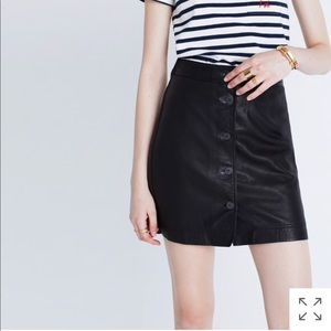 Madewell F7100 button front leather skirt black 0